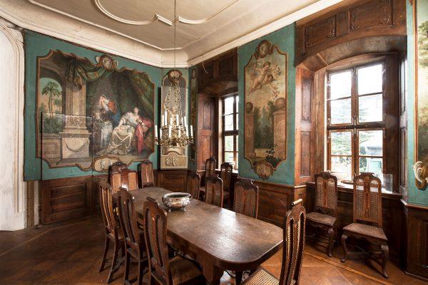 Innenansicht Bibliothek Schloss Hue de Grais